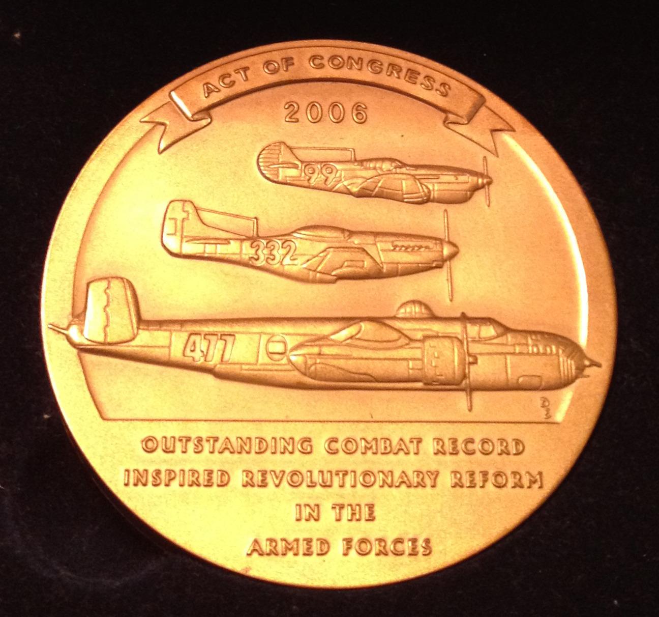 0c25b3d9074715049f8b_Congressional_Gold_Medal_back.jpg