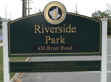 31c760fcb18ac6983830_Riverside_Park_Sign.jpg