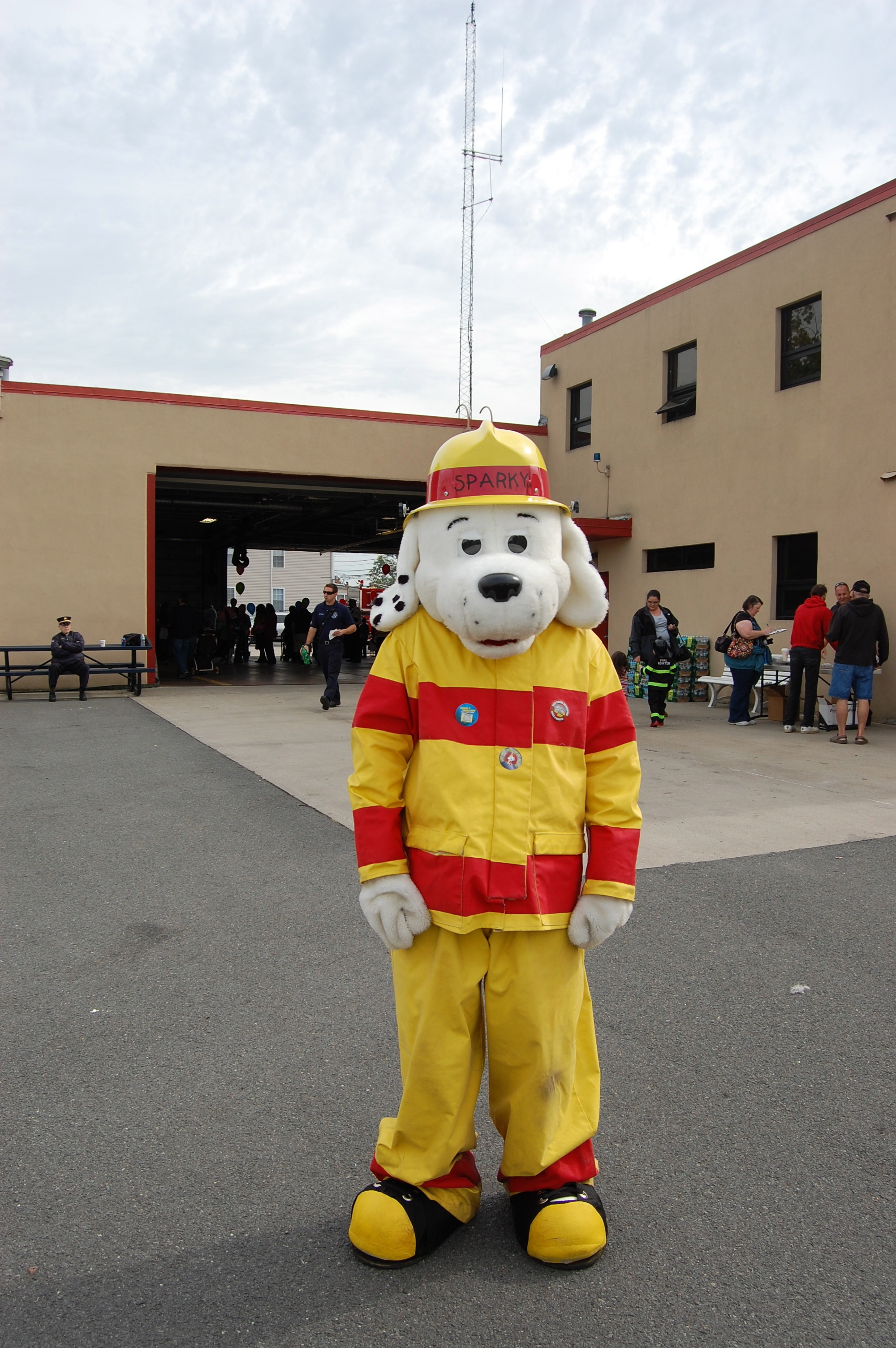 e254315058e11b1e893e_firehouse_dog.jpg