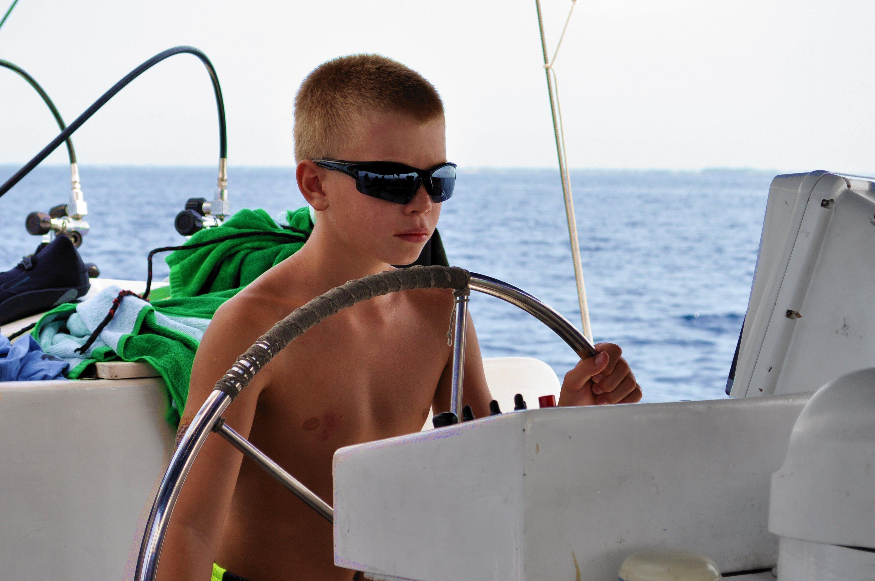 cb8c7cc94f7b124b5d35_sailing_1.jpg