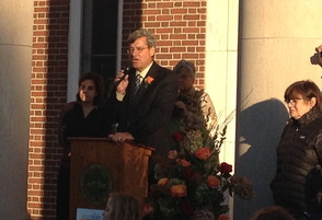 Mayor DeLuca Performs Mass Wedding on Steps of Municipal Building, photo 2