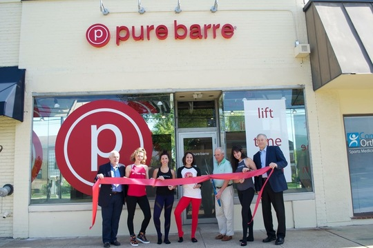 Top_story_eec03e29baedecbe1ae8_dc34887e7e0b2629eda7_pure_barre_ribbon_cutting_photo