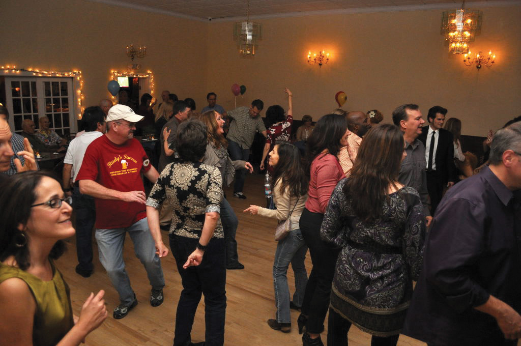 42013ab0a6799bb4690c_Lions_Swing_Dance_2r.jpg