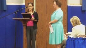 Rosanne Kurstedt presenting Coral Venturino her award