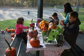 "Pearly Whites ""Brought Smiles"" To Pumpkin Carving Event, photo 11"