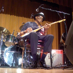 Hubert Sumlin Concert in the Great Hall on May 16, 2009
