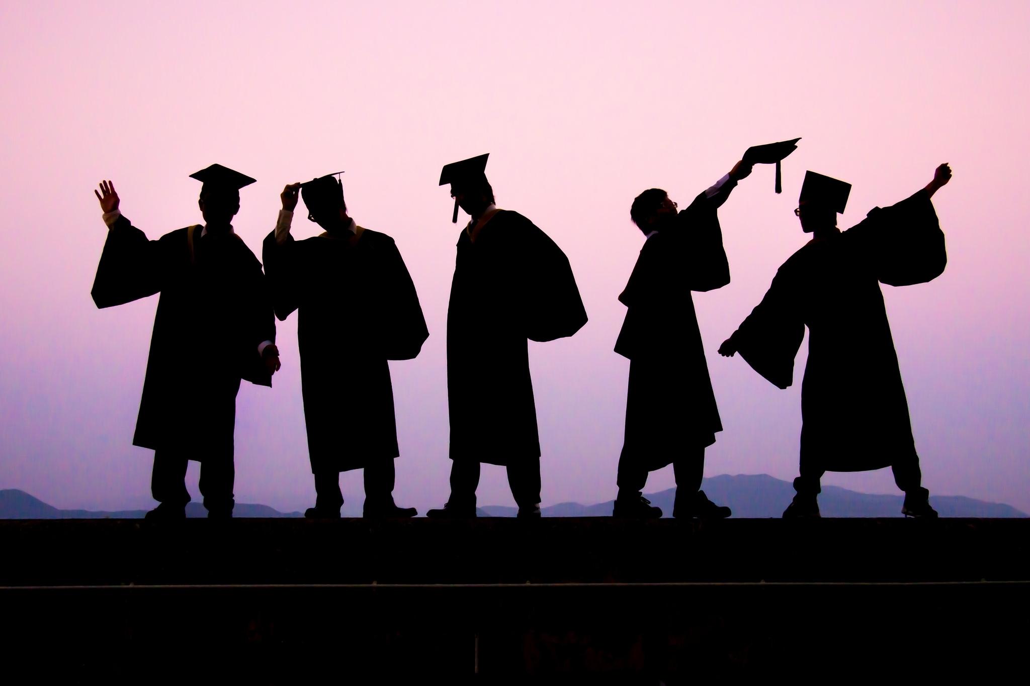 0e97552910a9c96e8ee2_graduates_by_Luftphilia_on_flickr.JPG