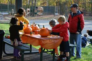 "Pearly Whites ""Brought Smiles"" To Pumpkin Carving Event, photo 16"
