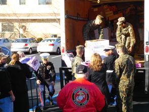 Carousel_image_de0055e1cd73bbc70ca2_marines_vets_volunteers
