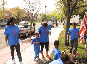 Roselle Comes Together for Community Clean Up Day, photo 41