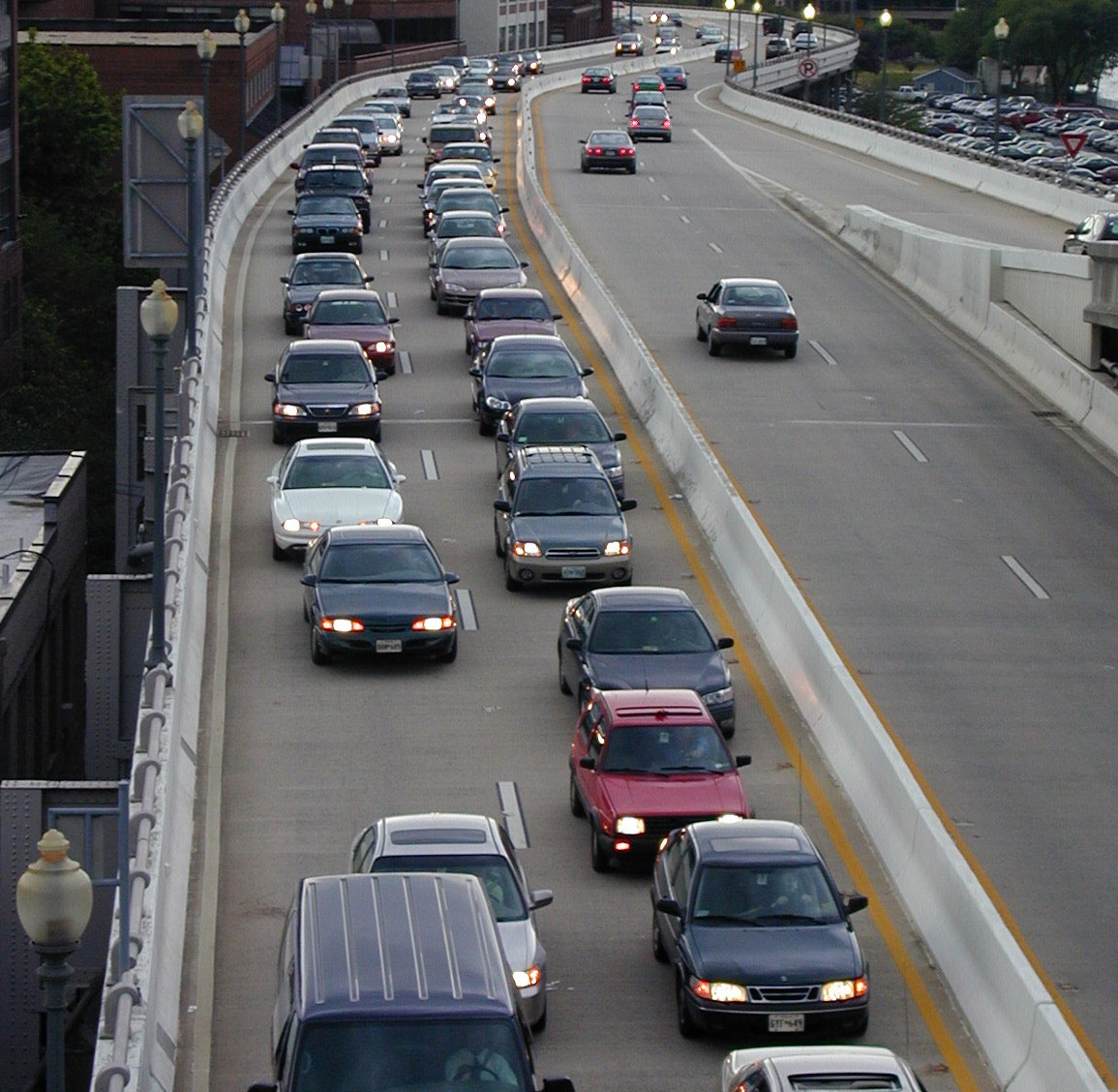 e2bd91daa451687ee28c_Highway_Traffic__AAA_Foundation_for_Traffic_Safety_.jpg
