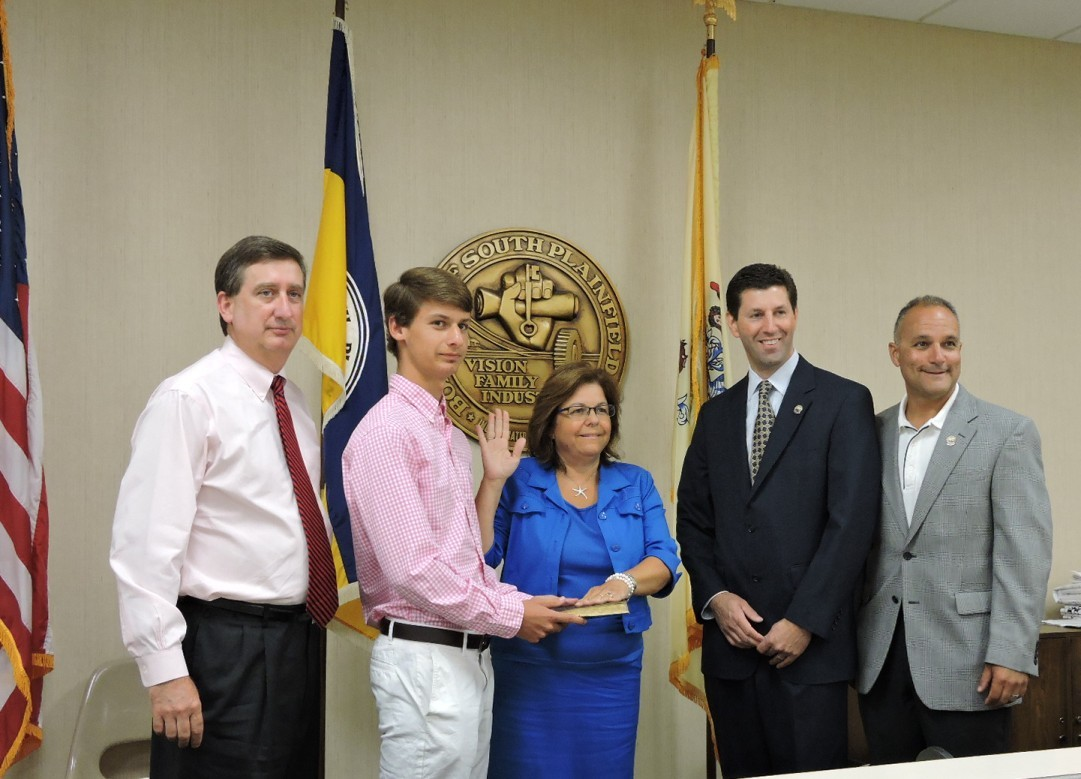 Katherine Howes Sworn in as Municipal Court Judge