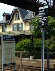 Top_story_d890bd0c8af454d26964_njt_lot_parking_sign_-_station_house