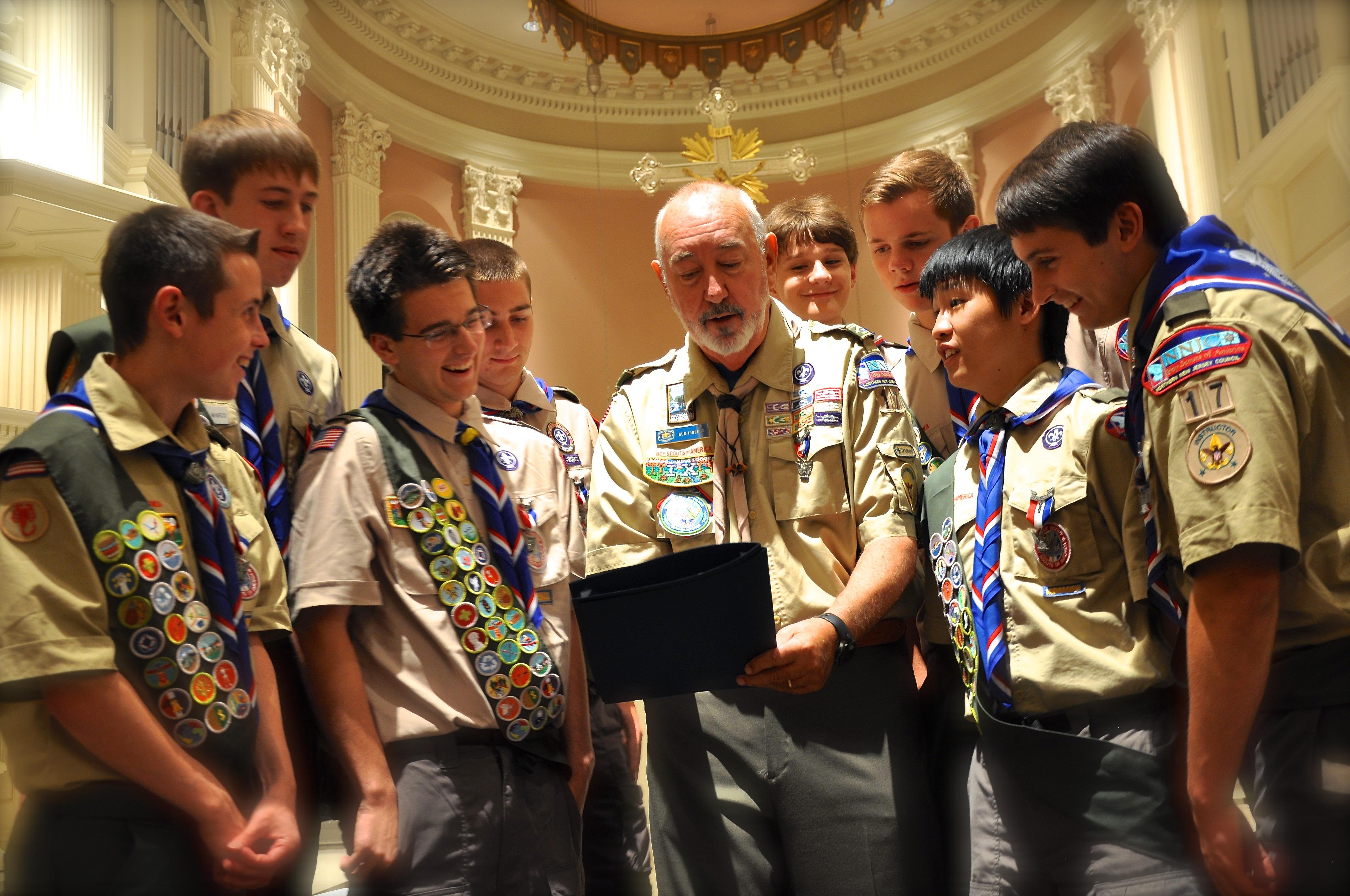 2ca8091725e4592aa5f9_Scoutmaster_Ken_Fineran___Troop_17_Eagle_Scouts.JPG