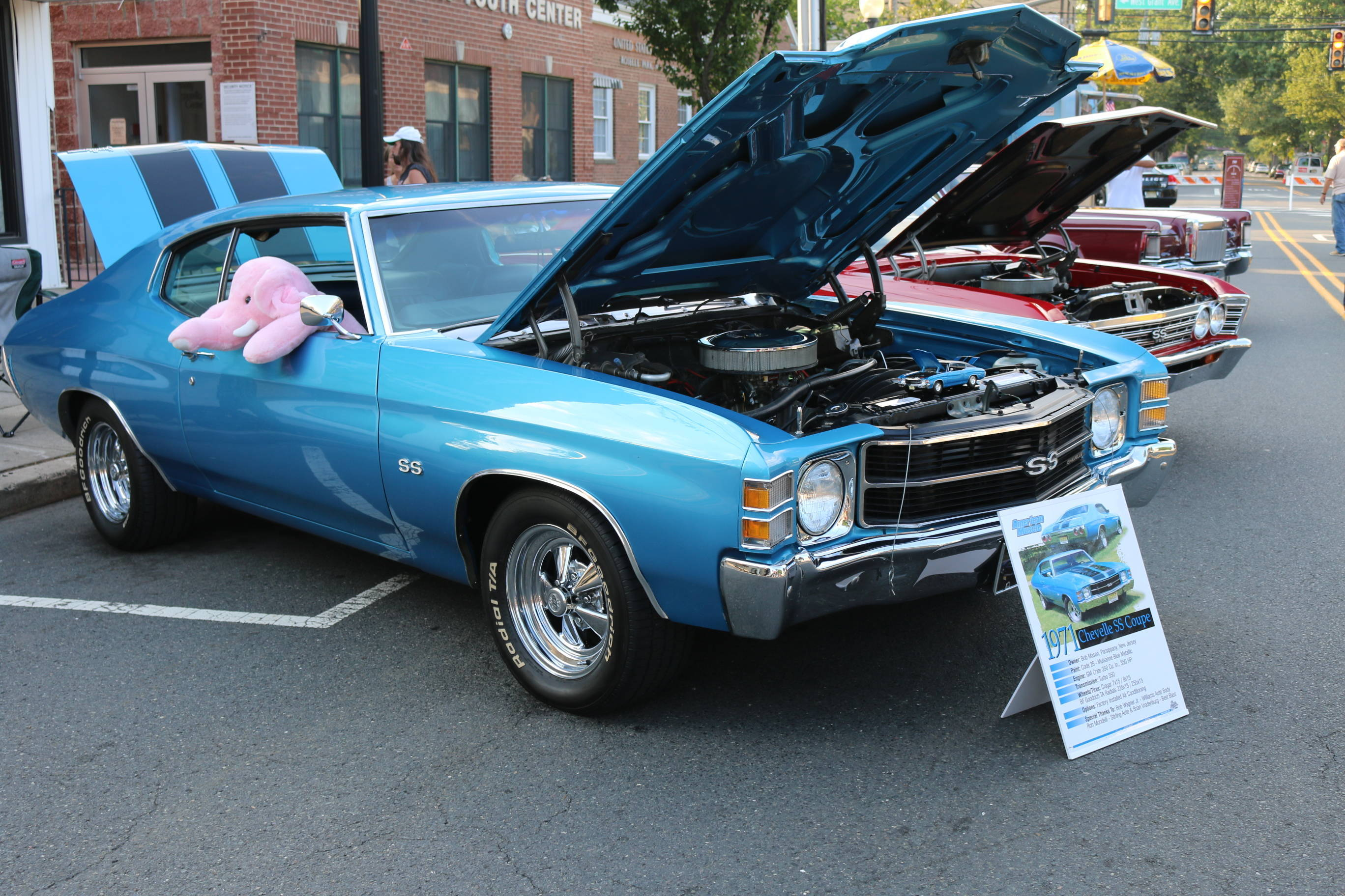 "Many Come Out to 2nd ""Cruisin' Night"" Car Show and RP Loves Art! Event"