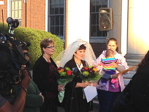 Mayor DeLuca Performs Mass Wedding on Steps of Municipal Building, photo 3