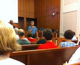Maplewood Mayor Victor DeLuca addresses community