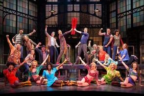 Carousel image 8120ccbbc13c744b0ace kinky boots broadway2