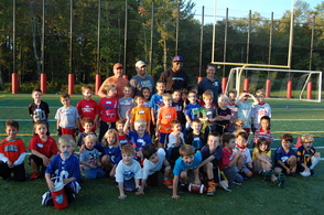 Former NFL Player Darrell Reid Visits Youth Football Team As Guest Coach   , photo 1