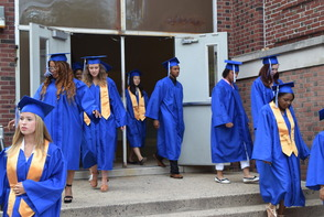 CBS News Anchor Jim Axelrod Takes Selfie During Commencement Address to 522 Montclair H.S. Graduates, photo 6