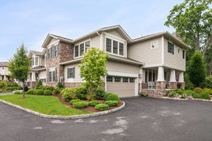 Stunning Crescent model Townhome at Northgate