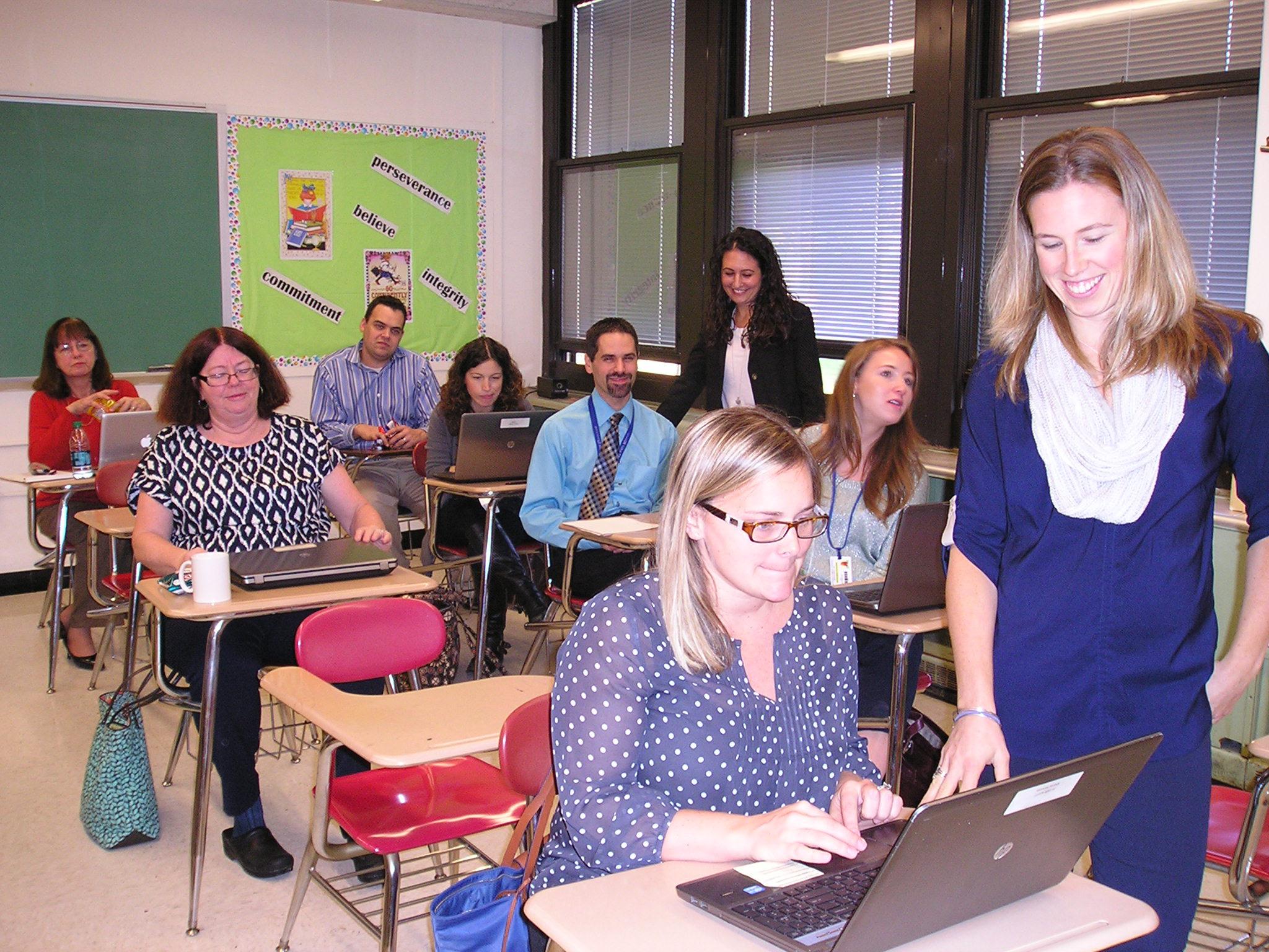 2ad7e429842562ab9b82_Math_teachers_engage_in_technology.JPG