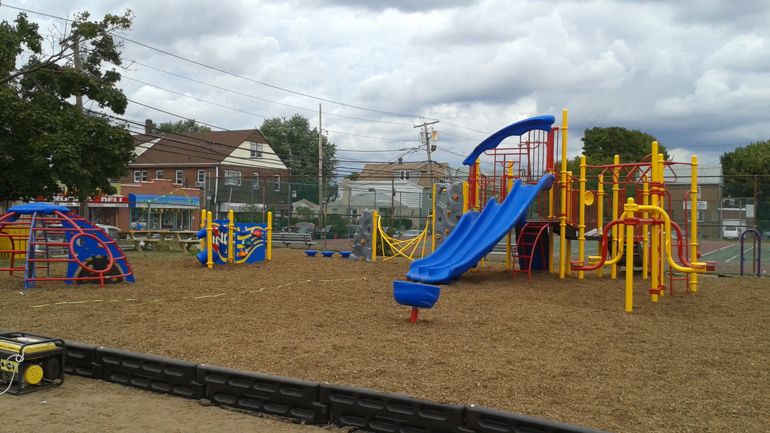 Volunteers Build New Playground At Paterson 39 S School 25 Paterson Nj News Tapinto