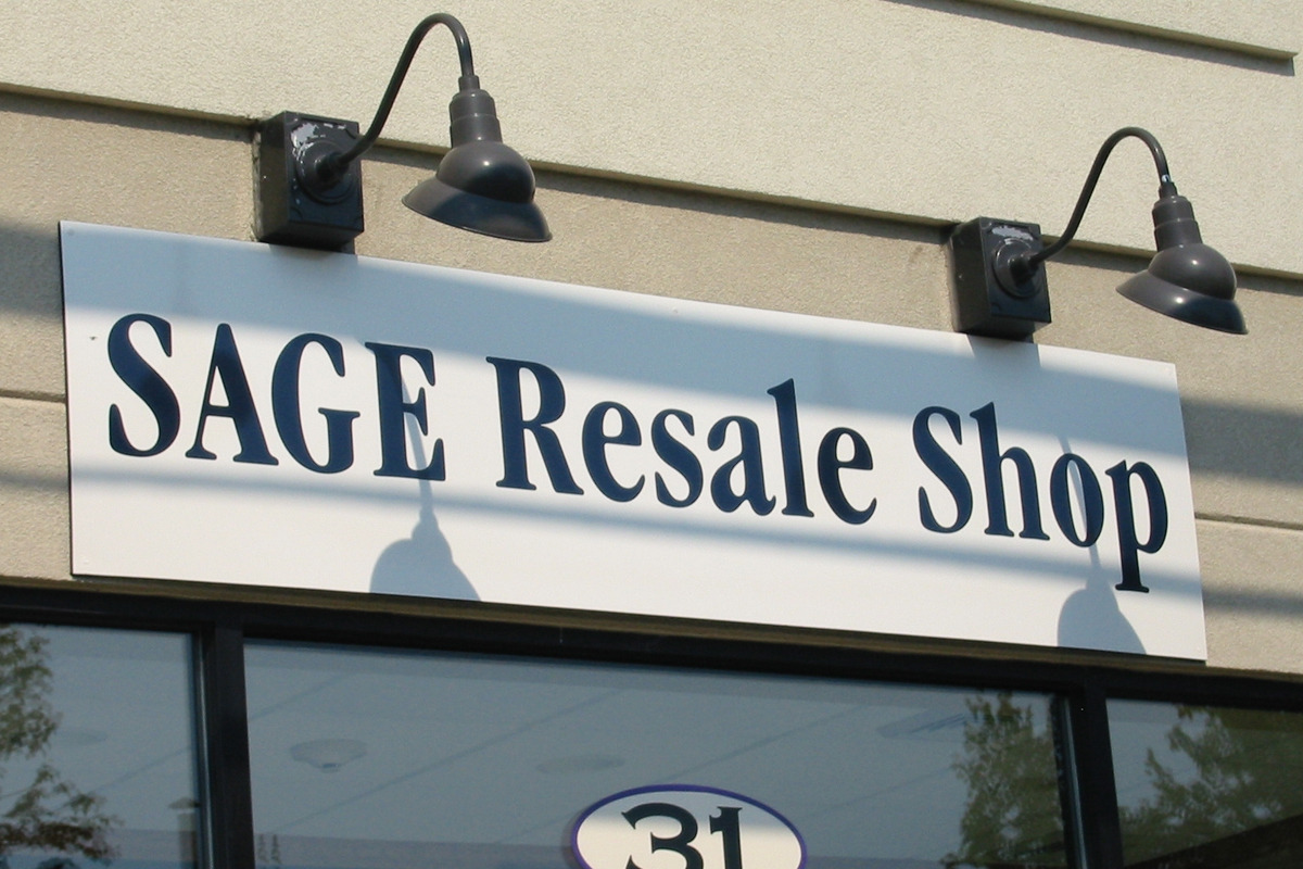 6095b47b5dd42f8ce5b9_Resale_Shop_Sign.jpg