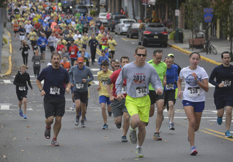 Top_story_0e288fe12f47a19542d4_runners_at_the_head_of_the_pack