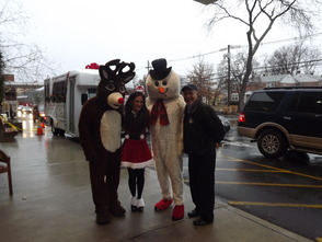 CareOne Brings Holiday Joy to the Valerie Clinic at Morristown Medical Center, photo 2