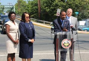 Senate President Steve Sweeney Visits Roselle Bridge to Address NJ Infrastructure, photo 3