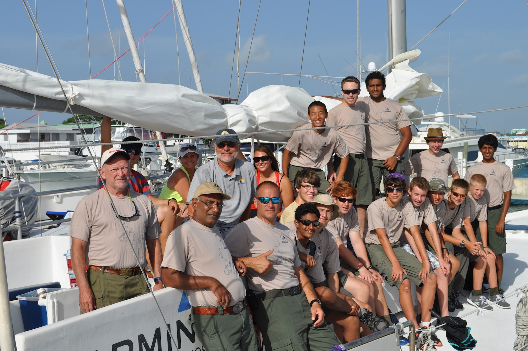 4cc007b3fdaae90bce99_Bahamas_Avalon_Crew_2013.jpg