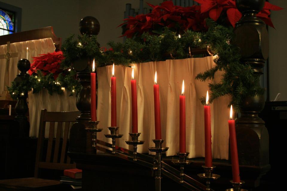 5012bac4a151997fd743_Gladstone_Christmas_pic.jpg