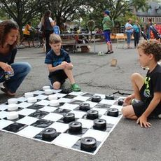 Top_story_117164440119a2f2e721_playday_checkers