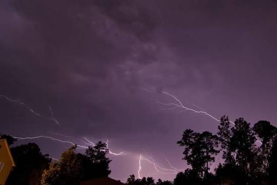 Top_story_d6e05e0f9a8b502a2979_thunderstorm