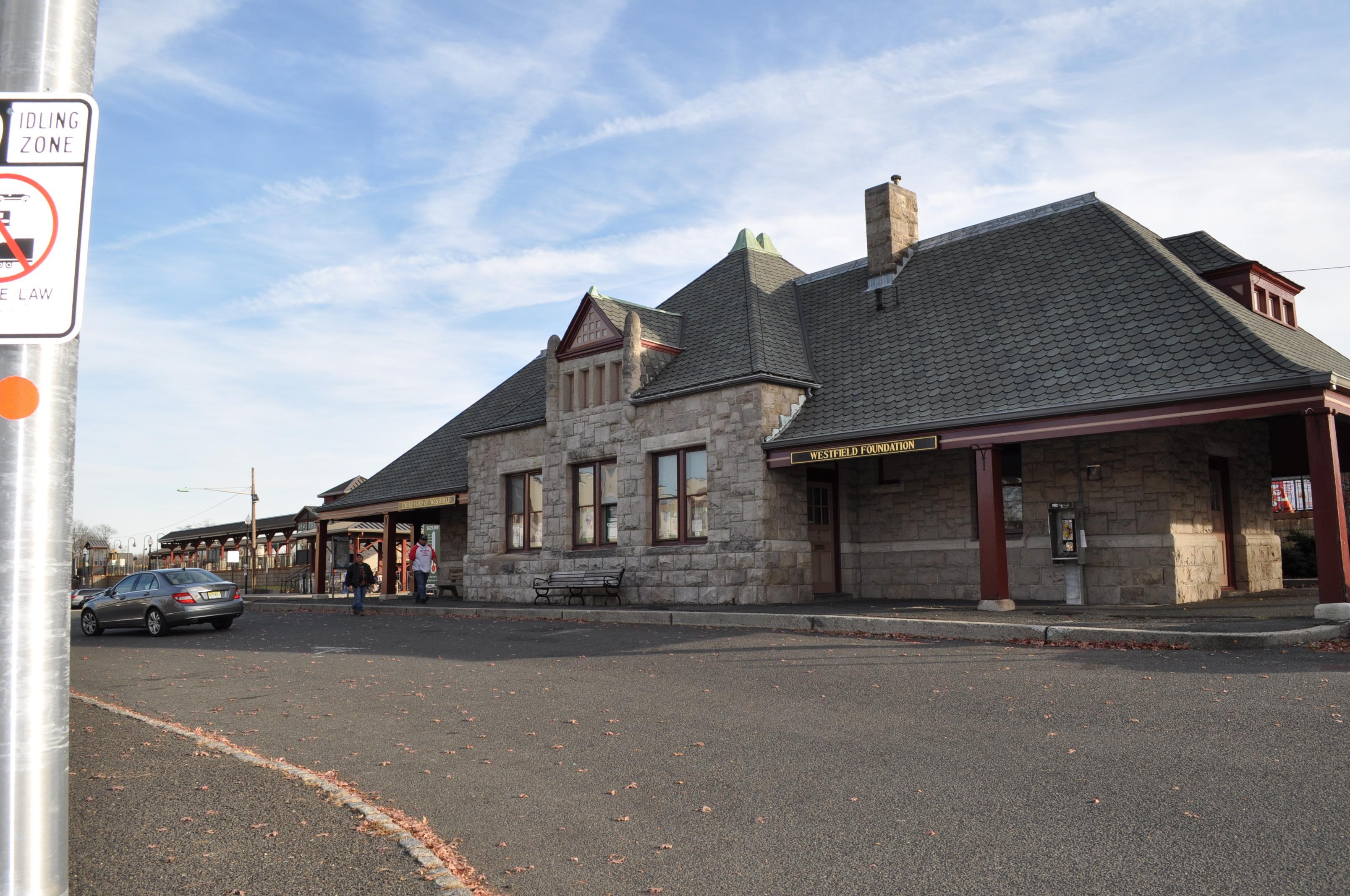 00249e5a40a70f58c7fd_train_station.JPG
