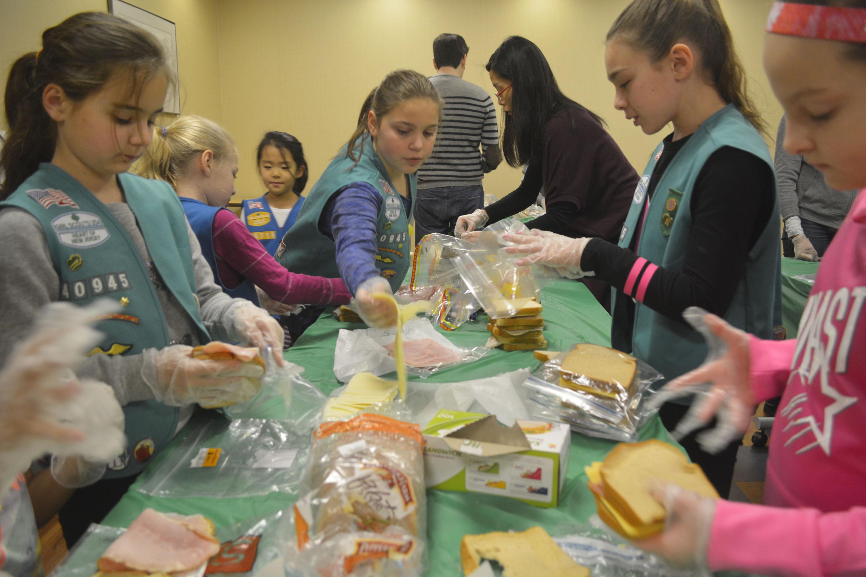 3abb885e94727e0190ef_Girl_Scout_sandwiches.jpg