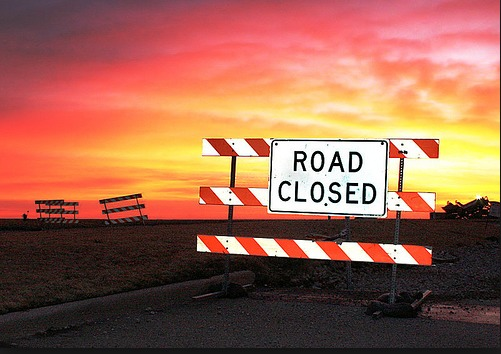 80b9f2d7acddcd3803dd_road_closed.PNG