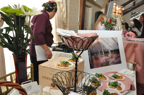 St. Moritz Grill & Bar and Redwoods offered freshly sauteed shrimp as a giveaway for the prospective brides.