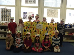 Mary Kay McMillin First Grade Students Celebrate of School 100th Day, photo 1