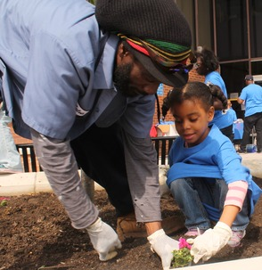 Roselle Comes Together for Community Clean Up Day, photo 28