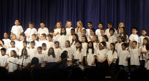 Coles 4th Graders on Stage