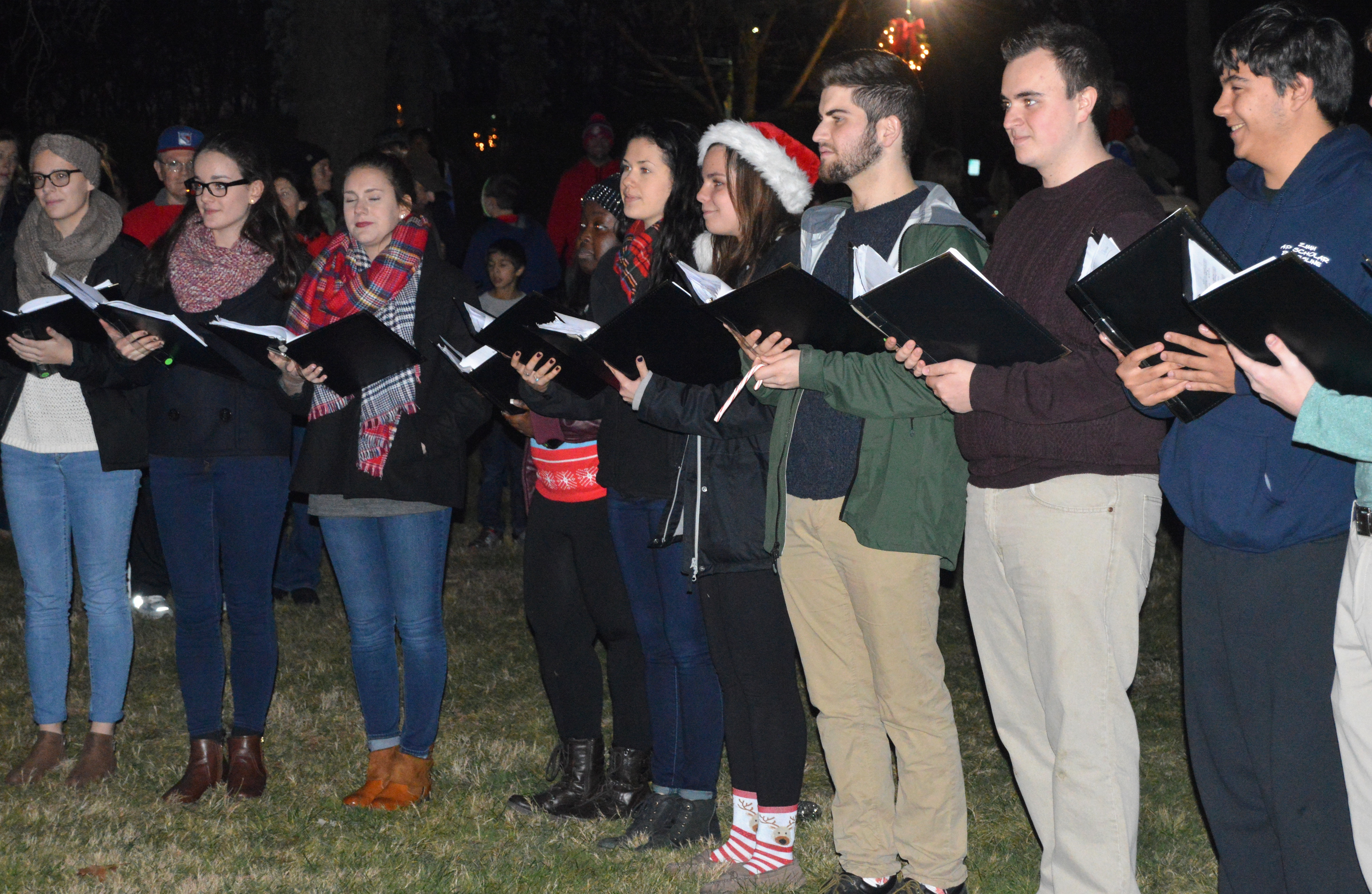 8c3ee1b8d2ea3a4a2e25_Carolers_about_to_perform.JPG