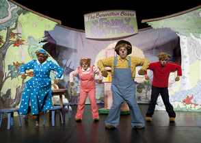 Carousel_image_c3f971b8a202c6bb905c_the_berenstain_bears_in_family_matters_the_musical_2