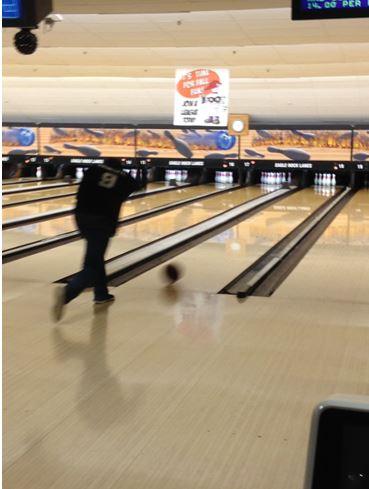 629e03ccd09964e2c0fb_1f2d670c0f0cc8dbb4f2_bowling.JPG