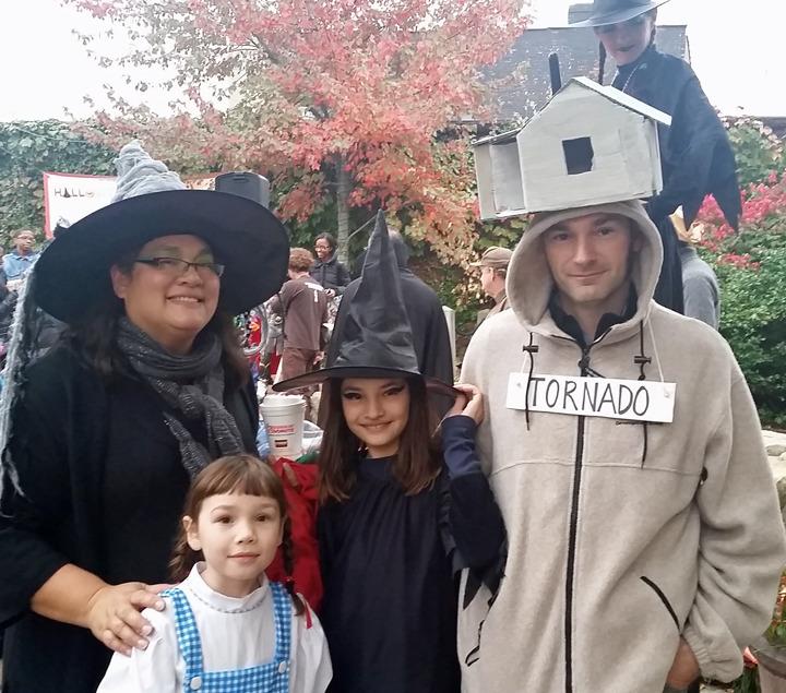 6e0d5e8f7284760b388b_Wizard_of_Oz_costume.jpg