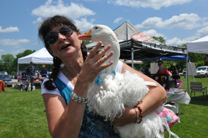 Leesa Beckmann with Oliver the goose.