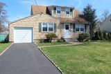 South Plainfield - Terrific Cape Cod in Great Location!