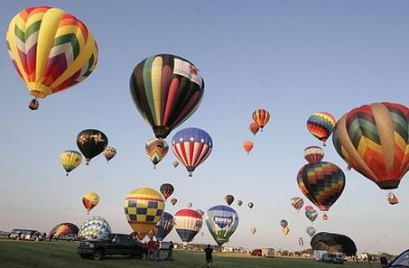 43b1e3ed6856d441d651_balloonfestival.jpg