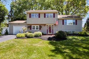 500 Somerville Rd, Bridgewater, NJ: $499,000